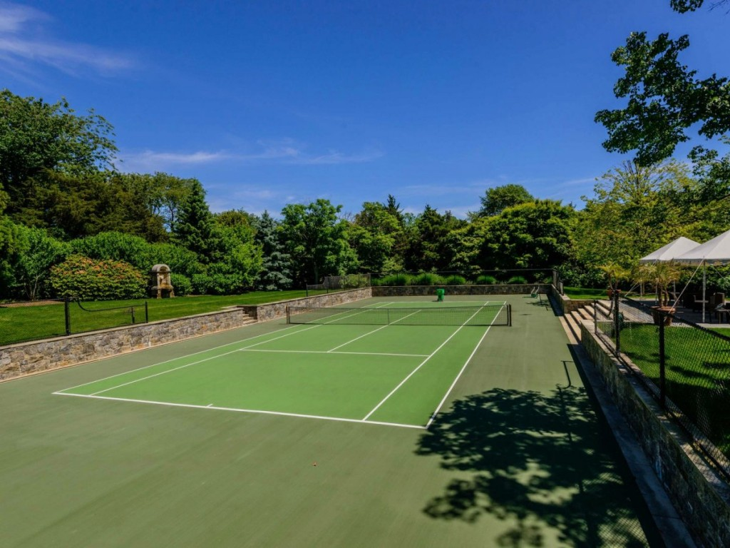 theres-a-full-tennis-court-on-the-property-as-well