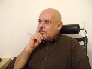 Αντώνης Ανδρουλιδάκης είναι οικονομολόγος,συγγραφέας