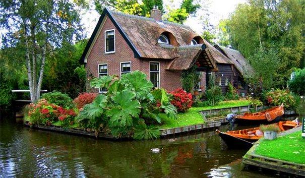 Giethoorn-Netherlands-2