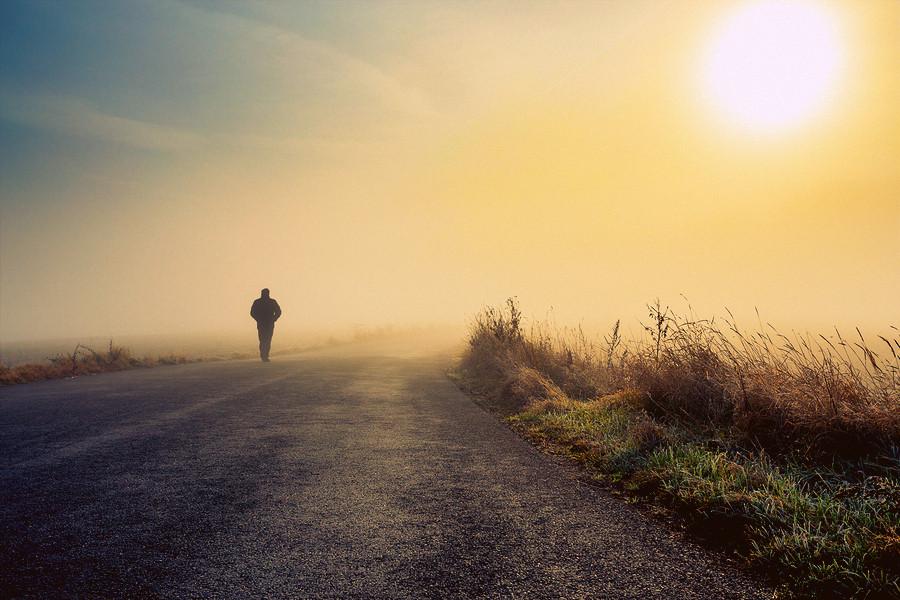 Men-Silhouette-In-The-Fog